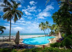 Voyager Beach Resort - Mombasa - Piscina