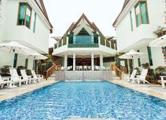 Acuatico Beach Resort - Laiya - Pool