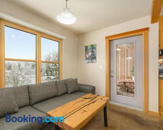 The Mountain Project #2 - Rossland - Living room