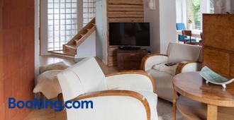Allika Holiday House - Pärnu - Living room