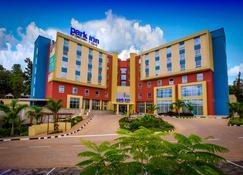 Park Inn by Radisson, Kigali - Kigali - Edificio
