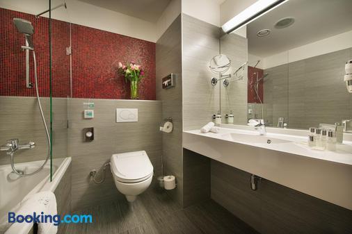 Wellness Hotel Diamant - Hluboká nad Vltavou - Bathroom