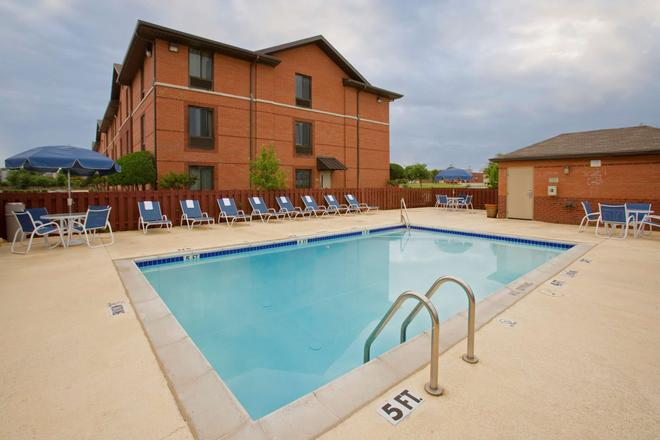 Extended Stay America - Atlanta - Kennesaw Chastain Rd. - Kennesaw - Pool
