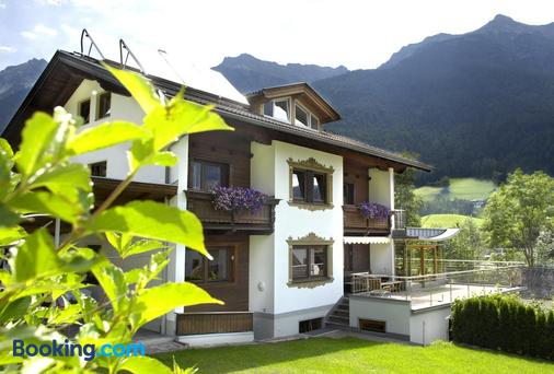 Pension Tina - Neustift im Stubaital - Building
