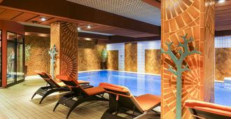 Le Royal Hotels & Resorts - Luxembourg - לוקסמבורג סיטי - בריכה