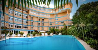 Savoia Hotel Rimini - Rímini - Piscina