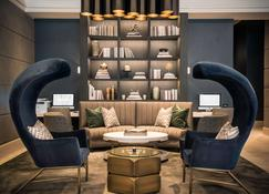 LondonHouse Chicago, Curio Collection by Hilton - Chicago - Lounge
