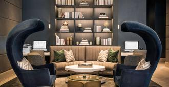 LondonHouse Chicago, Curio Collection by Hilton - Chicago - Sala de estar