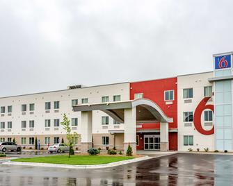 Motel 6 Mankato, MN - Mankato - Building