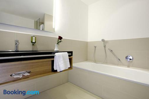 Hotel Falken - Memmingen - Bathroom
