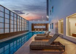 阿瓜斯卡連特斯拉昆塔 Lq 酒店 - 阿瓜斯卡連特斯 - 阿瓜斯卡連特斯州 - 游泳池