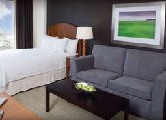 Cambridge Suites Hotel - Halifax - Schlafzimmer