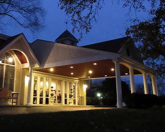 Kirkwood Inn - Mason - Building