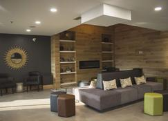 Country Inn & Suites by Radisson, Niagara Falls ON - Niagara Falls - Lounge