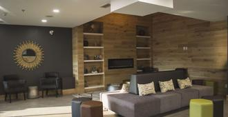 Country Inn & Suites by Radisson, Niagara Falls ON - Niagara Falls - Lounge