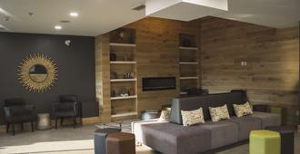 Country Inn & Suites by Radisson, Niagara Falls ON - ניאגרה פולס - טרקלין
