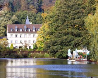 Hotel Pfälzer Wald - Bad Bergzabern - Outdoors view