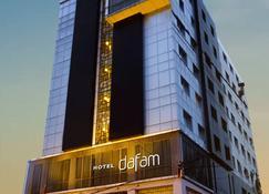 Hotel Dafam Pekanbaru - פקאנבארו - בניין