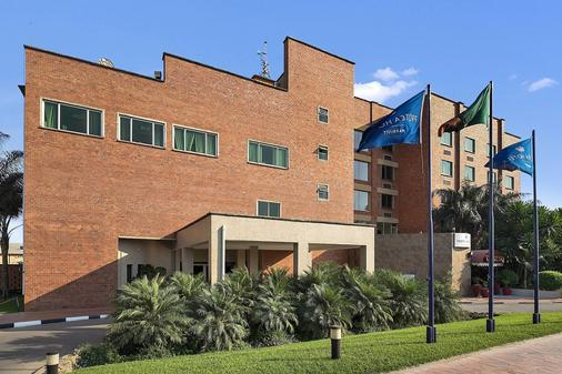 Protea Hotel by Marriott Lusaka - Lusaka - Building