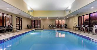 Hampton Inn Milwaukee Airport - Milwaukee - Piscina