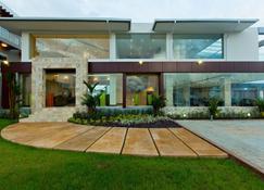 Eagles Lodge - Takoradi - Building