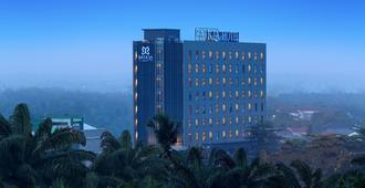 Batiqa Hotel Pekanbaru - Пеканбару