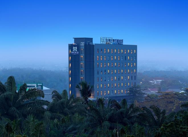 Batiqa Hotel Pekanbaru - Pekanbaru - Rakennus
