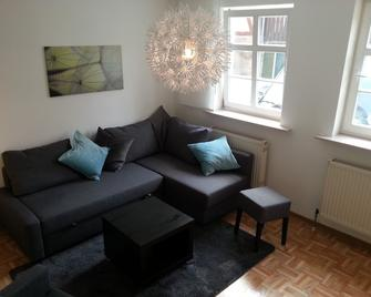 Apartment, Ground Floor 70sqm, 2zkb Bathroom With Bathtub, 5 Beds - Bad Arolsen