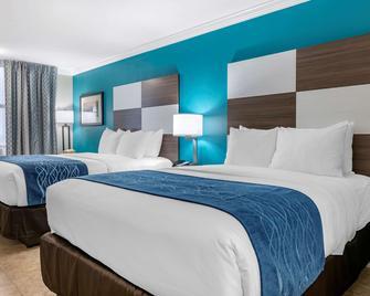 Comfort Inn and Suites Daytona Beach Oceanfront - Daytona Beach - Bedroom