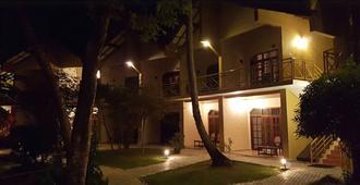 Pelwehera Village Resort - דאמבולה - בניין