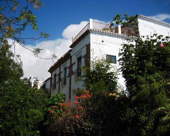 Alojamiento Rural Viña y Rosales - Mairena - Building