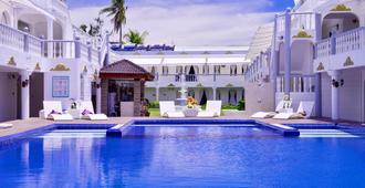 Boracay Summer Palace Hotel - Boracay - Piscina