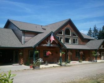 Mt. Emily Ranch Bed And Breakfast - Brookings - Gebäude
