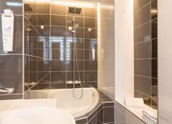 The Originals City, Hôtel Cléria, Lorient - ลอเรียง - ห้องน้ำ