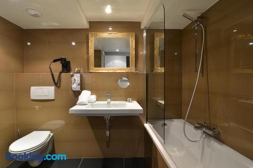 La Villa Cannes Croisette - Cannes - Bathroom
