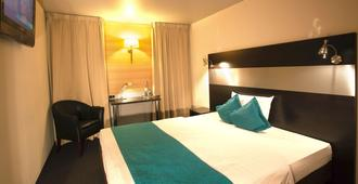 Centro Hotel Ayun - Cologne - Bedroom