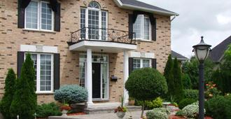 In Elegance Bed And Breakfast - Niagara-on-the-Lake - Building