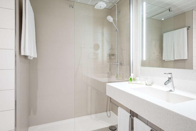 NH Berlin Alexanderplatz - Berlin - Bathroom