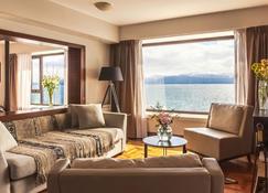 Hotel Panamericano Bariloche - Bariloche - Wohnzimmer
