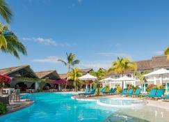 Veranda Palmar Beach Hotel - Belle Mare - Basen