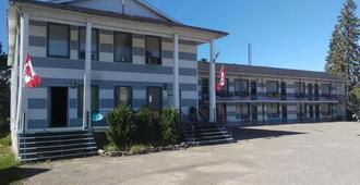Frontiersman Motel - Latchford - Building