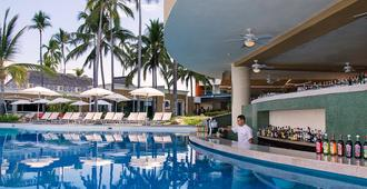 Sunset Plaza Beach Resort & Spa - Puerto Vallarta - Pool
