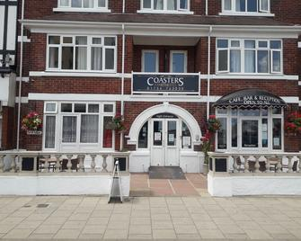 Coasters Hotel And Apartments - Skegness - Building