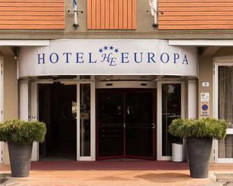 Hotel Europa - Signa - Building