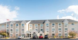 Microtel Inn & Suites by Wyndham North Canton - North Canton