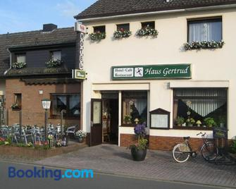 Hotel Restaurant Haus Gertrud - Simmerath - Gebäude