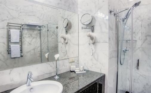 Duke Hotel - Odesa - Kylpyhuone