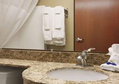 Microtel Inn & Suites by Wyndham Cotulla - Cotulla - Baño