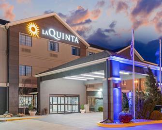 La Quinta Inn & Suites by Wyndham Ada - Ada - Будівля