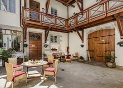 Appart Hôtel Charles Sander - Salins-les-Bains - Building